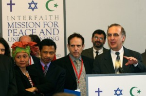 Mission Director Rabbi Sid Schwarz speaks before mission participants and the press.